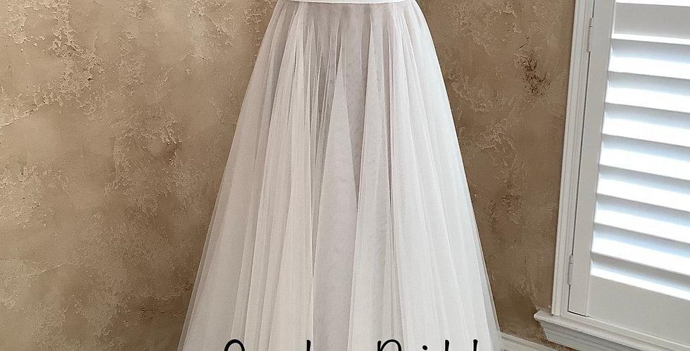 9800, Willowby 53700 size 10 ivory-blush