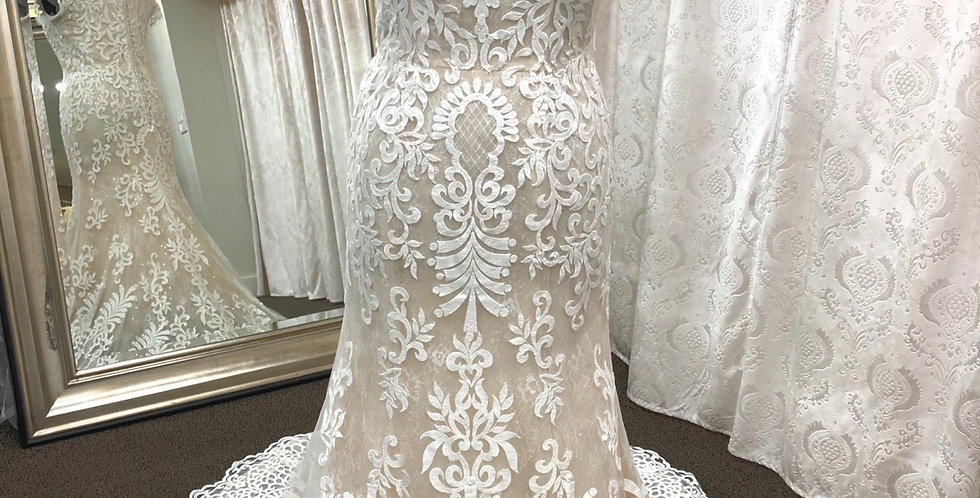 9535, Private Collections 18129 size 14 ivory-champagne
