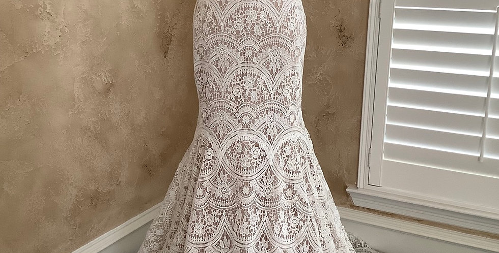 9812, Wtoo 12118 size 2 ivory-champagne