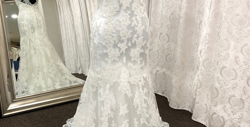 8548, Allure size 10 ivory