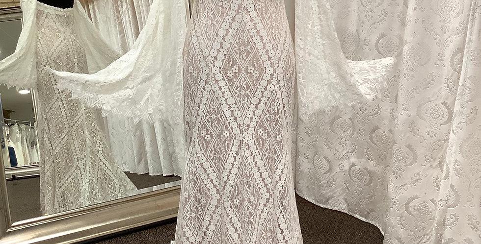 9733, Willowby 51100 size 6 ivory-blush
