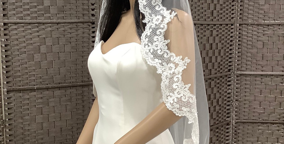 VELUC55443 Fingertip 1 layer ivory with lace edge