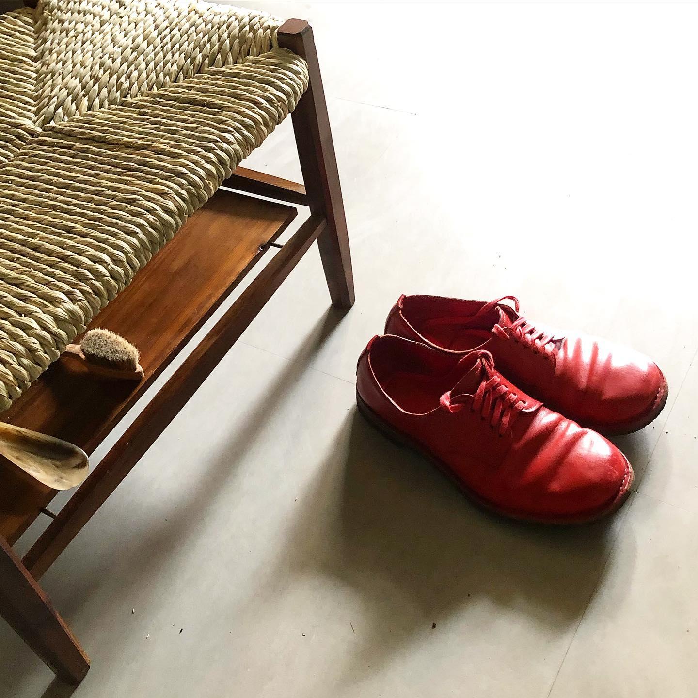 靴を履くための椅子