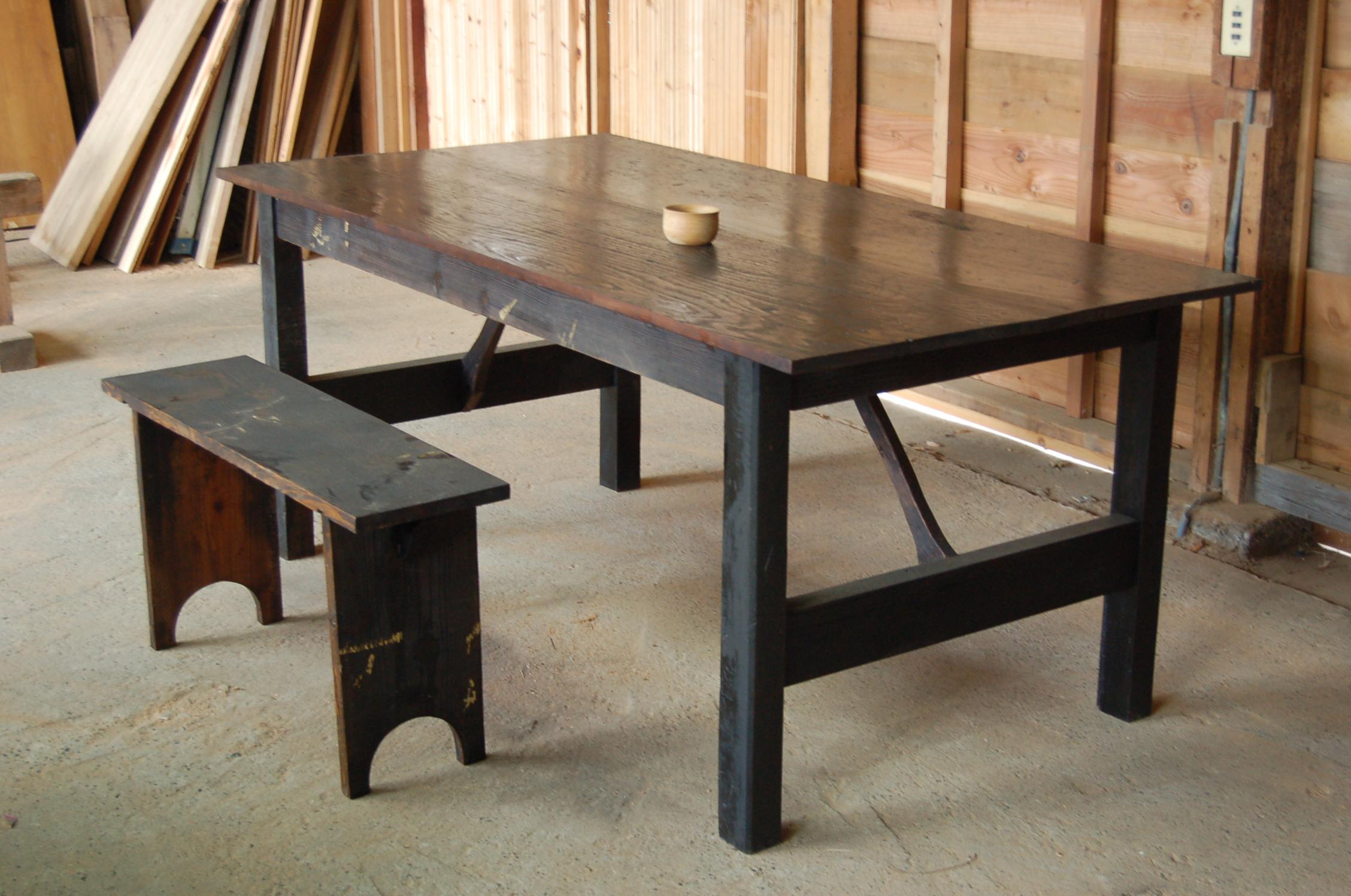 ワークテーブルとベンチ