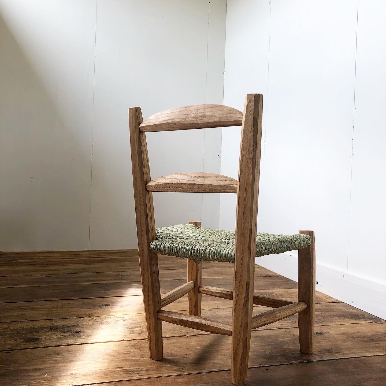 い草編みの子ども椅子