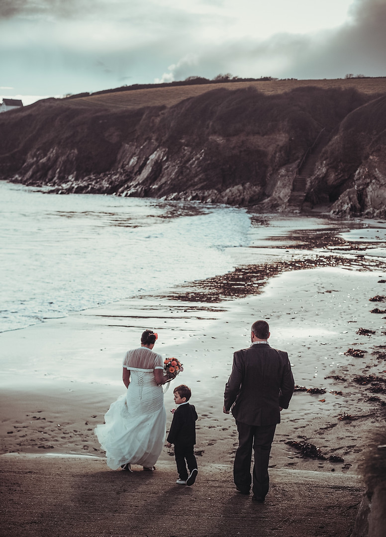 Best-Wedding-Photographer-Cornwall-013.j