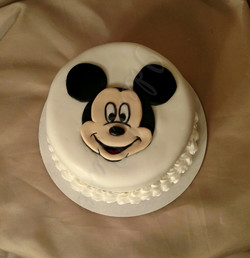 Mickey. a cake for 1 :)