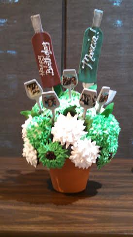 Cupcake Bouquet Wine Cake2