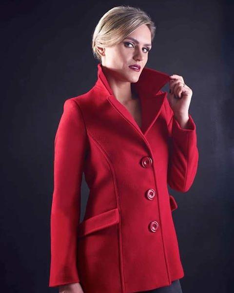 Produção  para Scur casacos #fashion #coats  #winter #model #photographer  #red #pentax