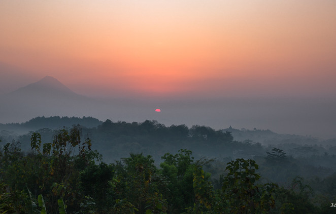Lever du jour sur le Borobudur
