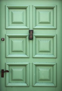 green-door-1150732_Clip
