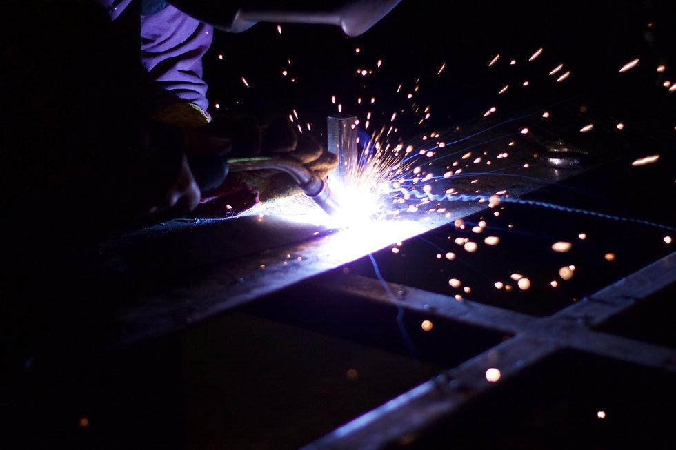 metalworking-1405852_1920.jpg