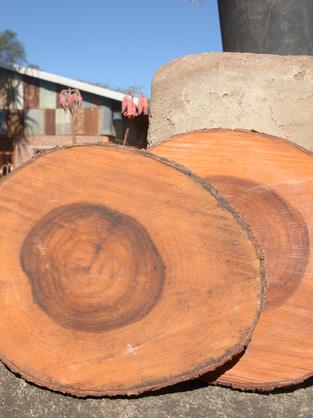 Wooden under plates
