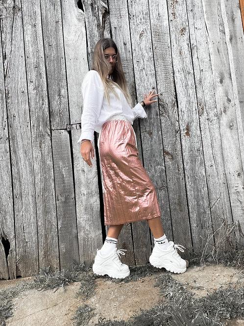 Falda metálica rosa
