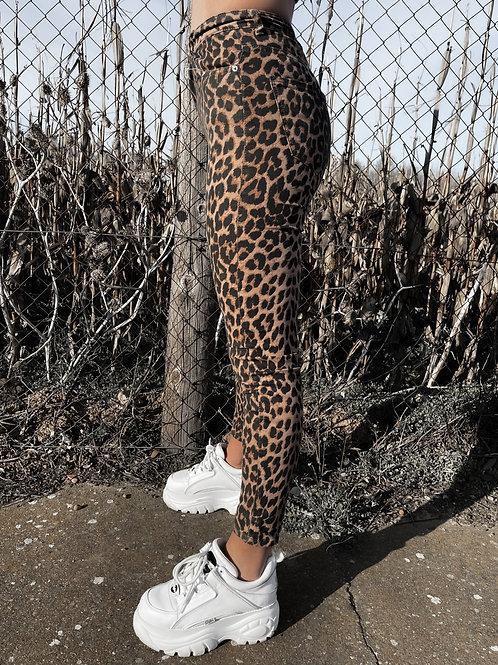 Jeans estampado de leopardo