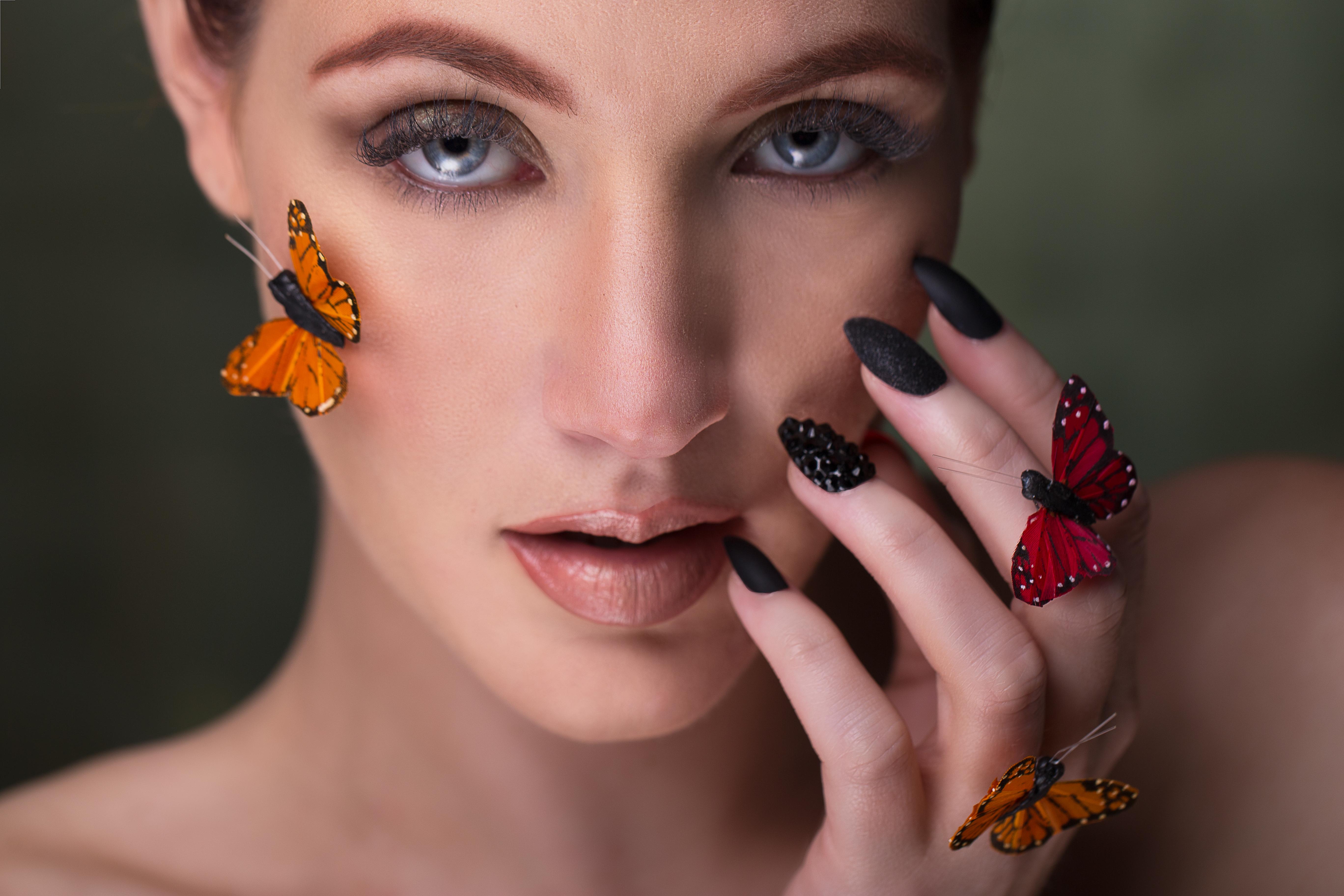 """Butterfly Kiss"""