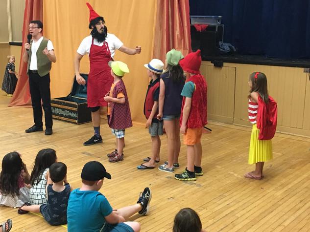 Snow White Audience Actors
