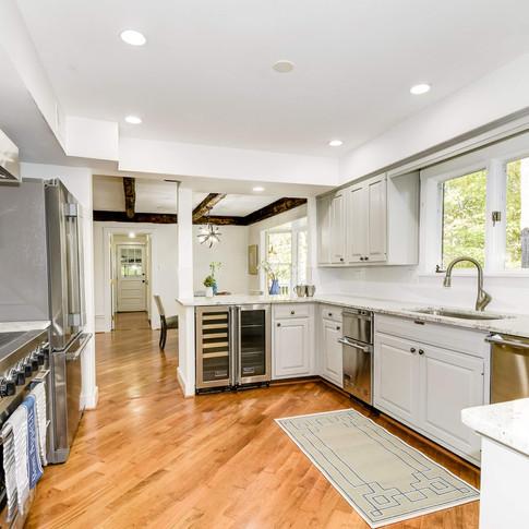 08-kitchen1.jpg