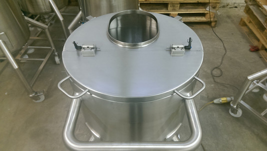 Mixing Tank With Manway & Removable Lid