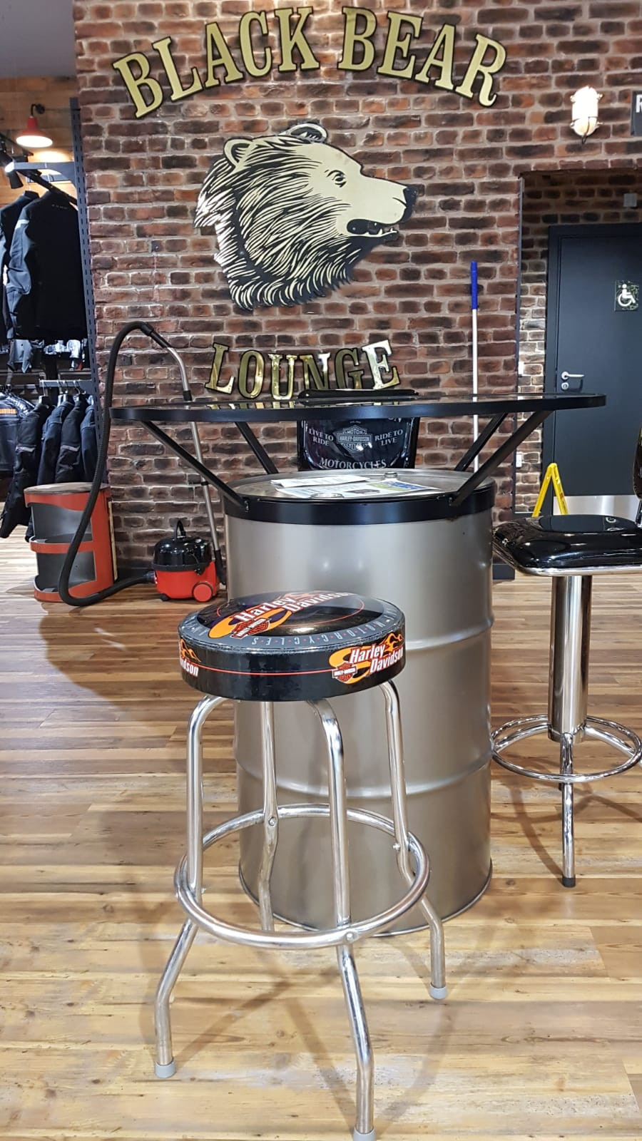 Harley Davidson Bespoke Barrel Table & Bar Stools