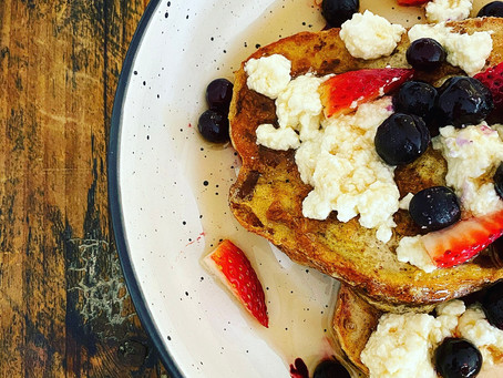 Organic Rye French Toast with ricotta, maple syrup and blueberries