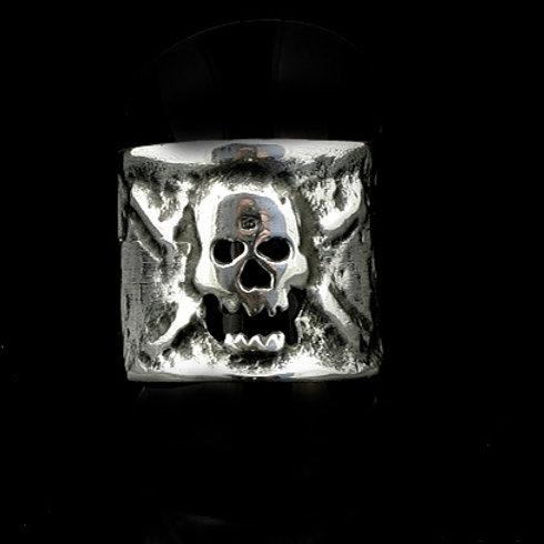 Skull and Cross Bone Ring