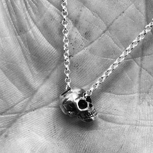 Sliding Skull Pendant (chain through eye)