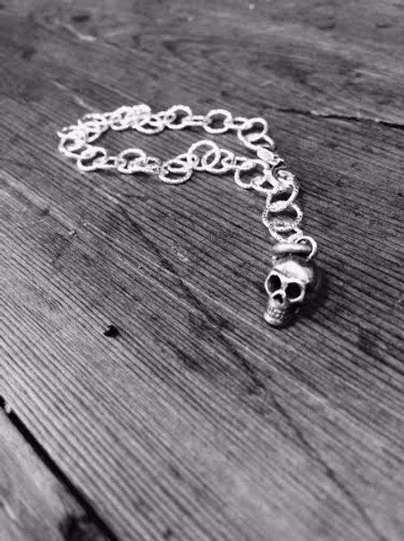 Diamond Cut Bracelet and Skulpt Skull