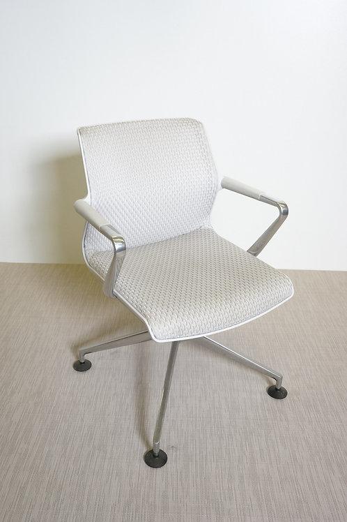 Fotel Vitra Unix Chair four-star base