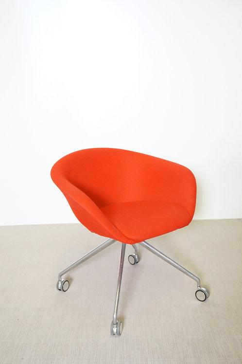 Fotel Arper Duna 02 Red