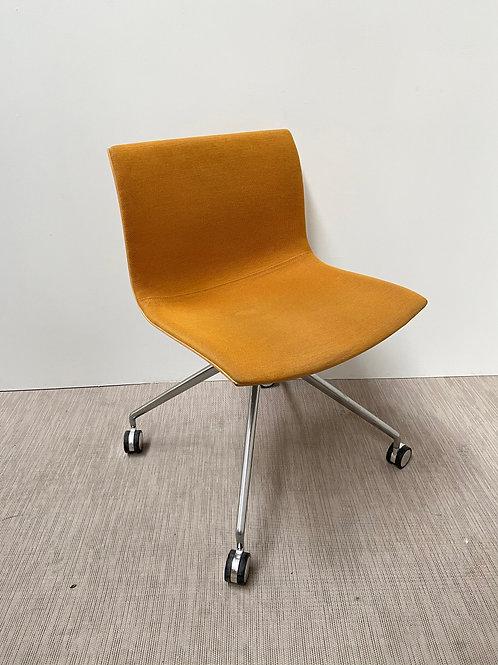 Krzesło Arper Catifa 53