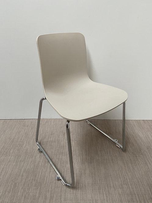 Krzesło Vitra HAL Sledge