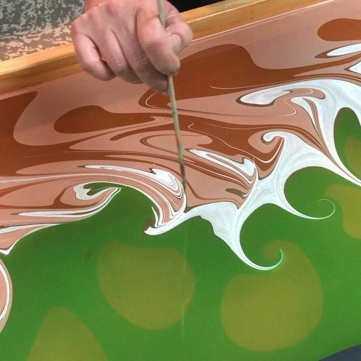 Watch this over and over and over again and then schedule your party at sunshineonsilk.com!  🌞🧣#sunshineonsilk #silkart #akronart #paintparty #watermarbling