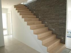 Treppe mit Parkett überzogen