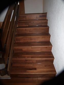Treppe dunkelbraun