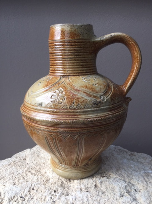 Versierde steengoed kruik Raeren - 16e eeuw