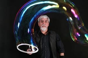 Ben's bubbles show