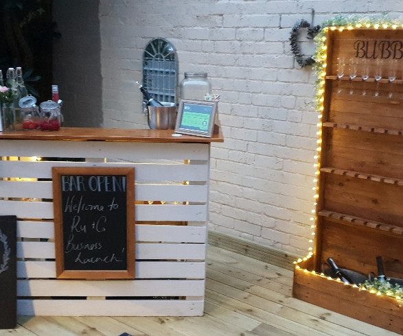 All That Fizz Pallet Bar and Prosecco Wall