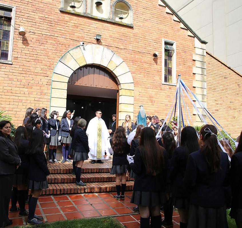 Entrega_Virgen_María_(9)