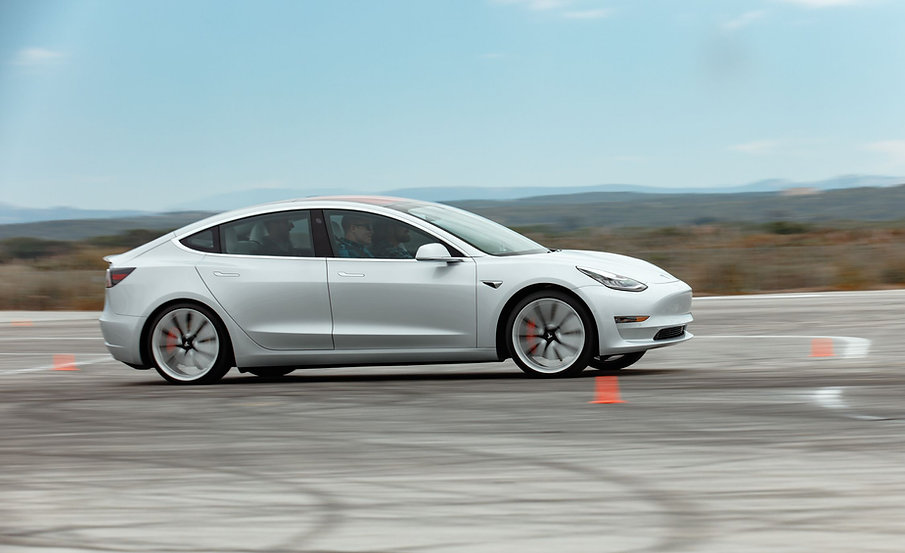 2018-tesla-model-3-performance-with-perf