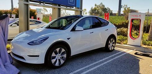 Tesla-Model-Y-long-range-dual-motor.jpg