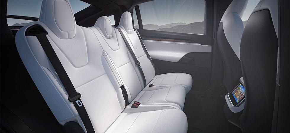 tesla-model-x-plaid-2021-seats.jpg