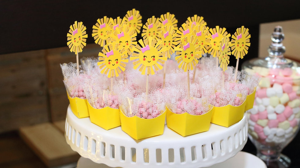 """""""You Are My Sunshine"""" Cupcake / Brigadeiro Toppers 