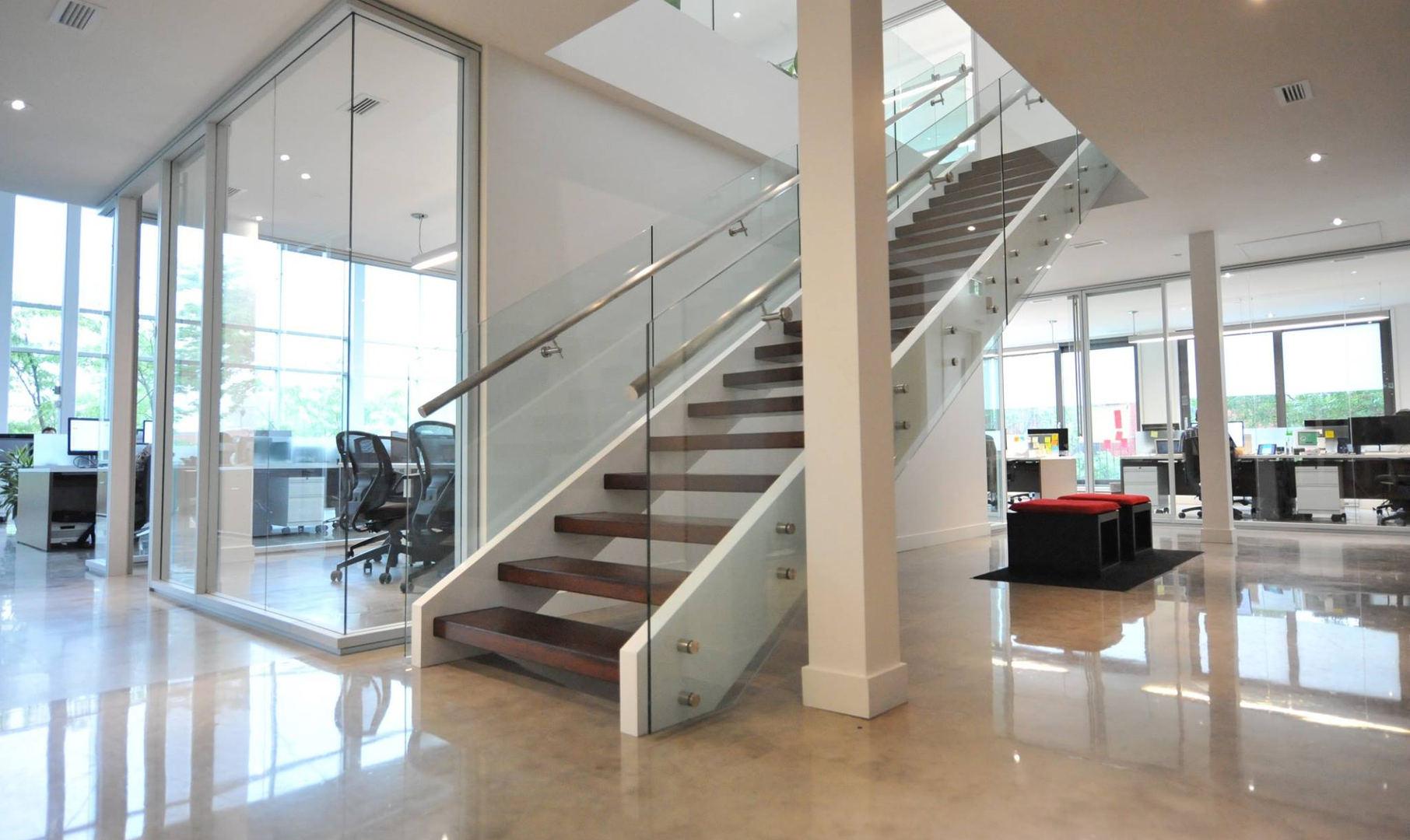 Escalier bois moderne frene 6.jpg