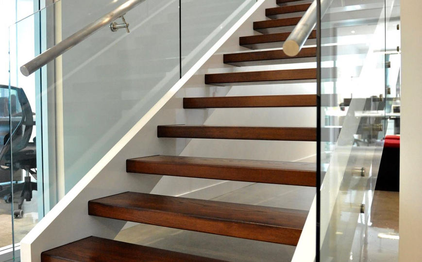 Escalier bois moderne frene 3.jpg