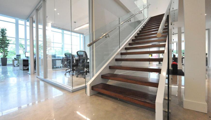 Escalier bois moderne frene.jpg