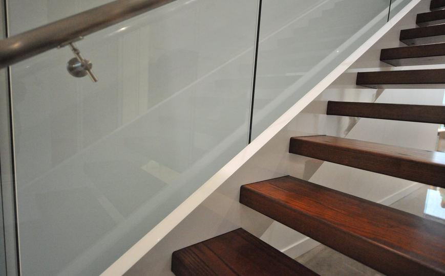Escalier bois moderne frene 4.jpg