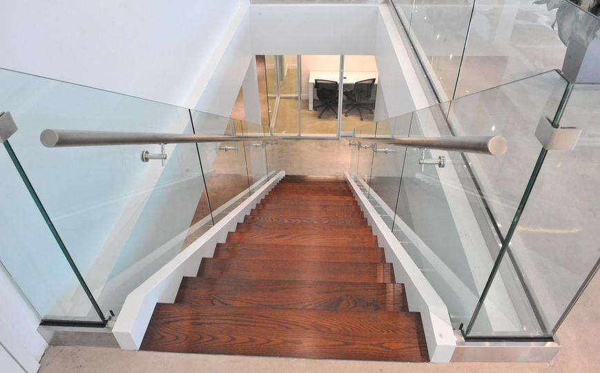 Escalier bois moderne frene 5.jpg