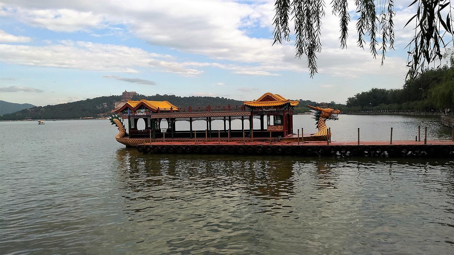 頤和園の龍舟