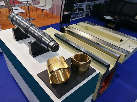 Roll grinder spindle shaft-bush-bearing